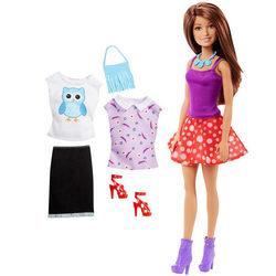 Poupée Barbie Fashion brune avec une tenue