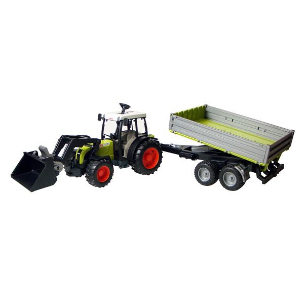 Tracteur Claas avec fourche et remorque