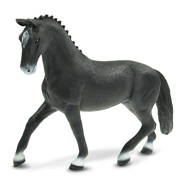 Figurine jument hanovrienne